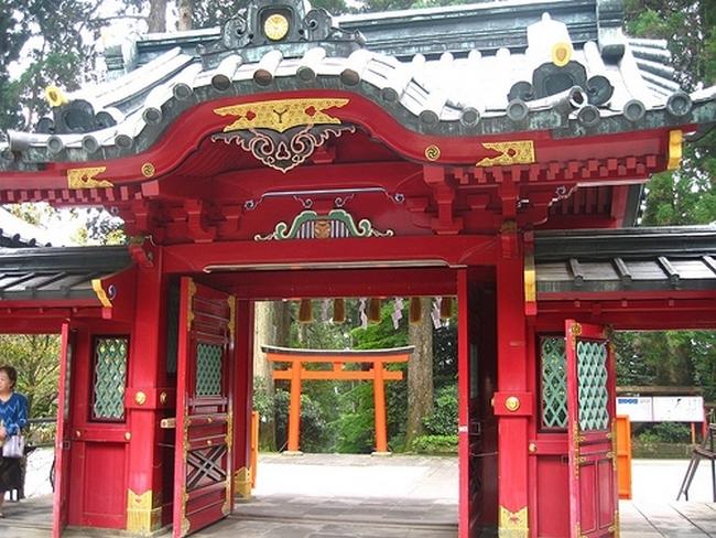 храм у озера Асиноко