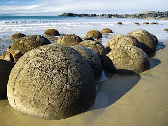 Валуны Моераки. Новая Зеландия