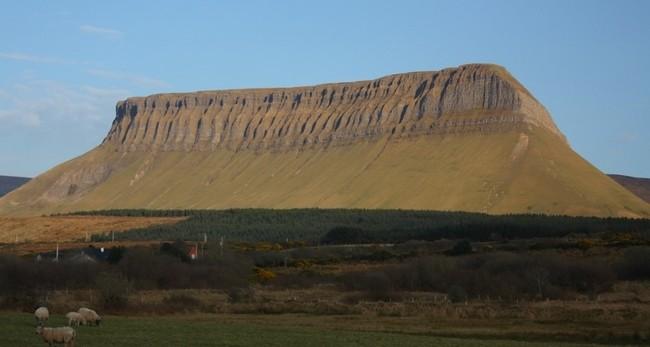 Необычная гора Бен Балбен в Ирландии