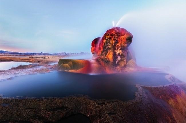Флай - самый необычный гейзер в мире