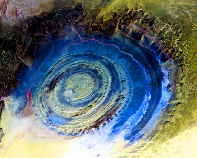Удивительный Глаз Сахары в Мавритании