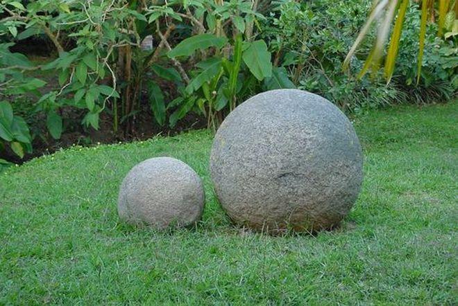 Каменные шары в Коста-Рике
