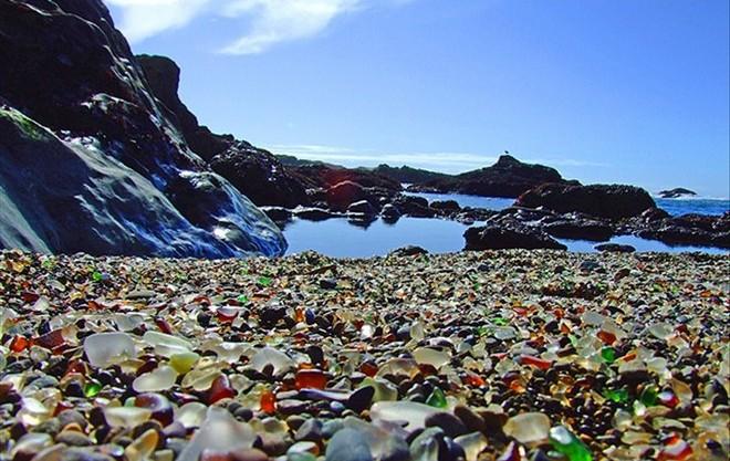 Стеклянный пляж в Калифорнии